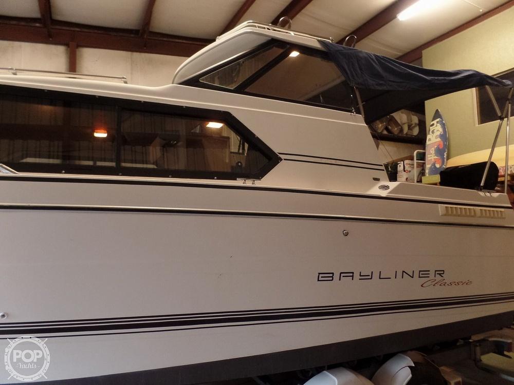 1993 Bayliner boat for sale, model of the boat is 2452 Cabin & Image # 34 of 40