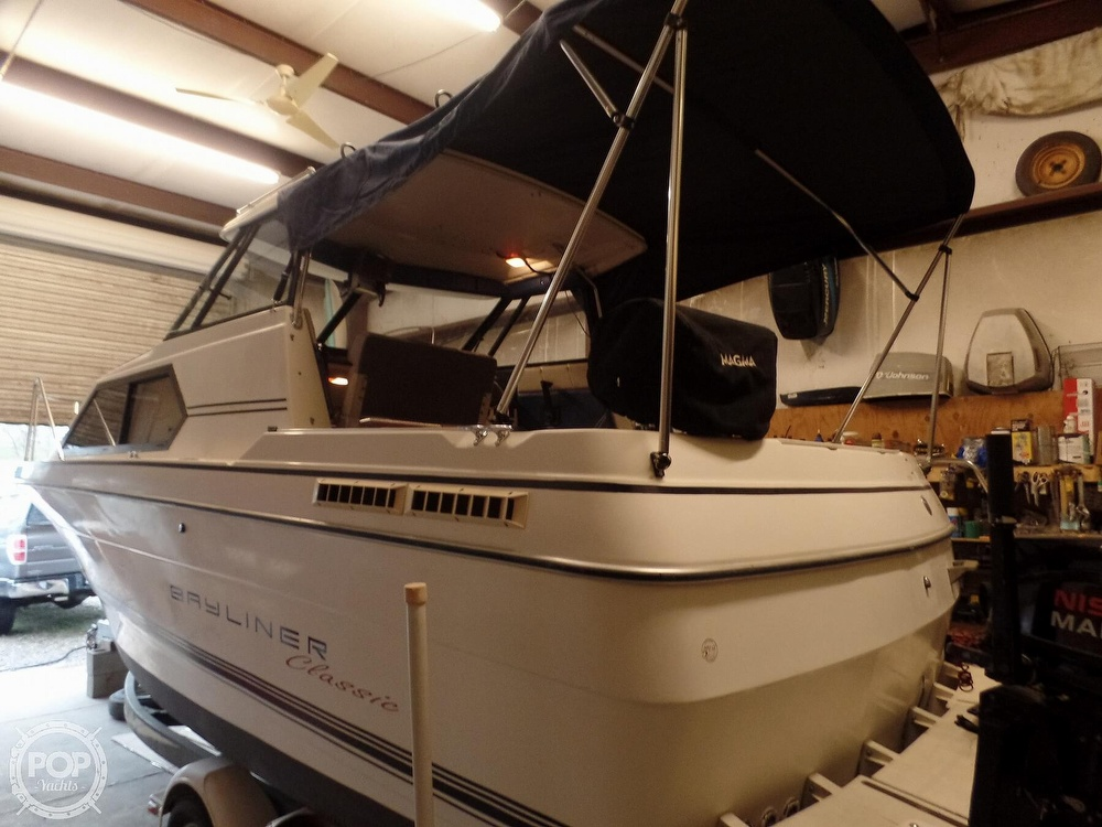 1993 Bayliner boat for sale, model of the boat is 2452 Cabin & Image # 11 of 40