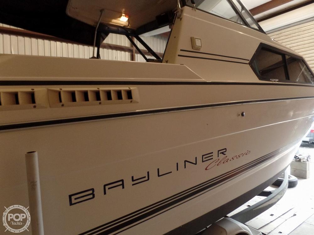 1993 Bayliner boat for sale, model of the boat is 2452 Cabin & Image # 15 of 40