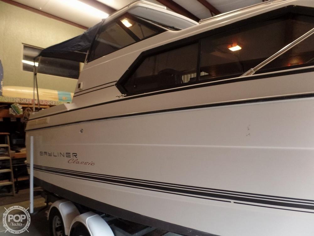1993 Bayliner boat for sale, model of the boat is 2452 Cabin & Image # 16 of 40