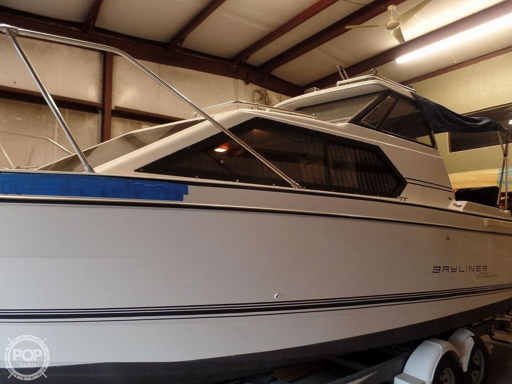1993 Bayliner boat for sale, model of the boat is 2452 Cabin & Image # 7 of 40