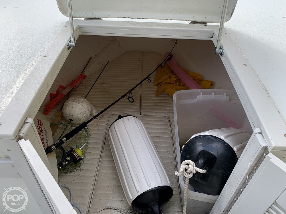 2005 Dusky Marine boat for sale, model of the boat is 233 FAC & Image # 12 of 40