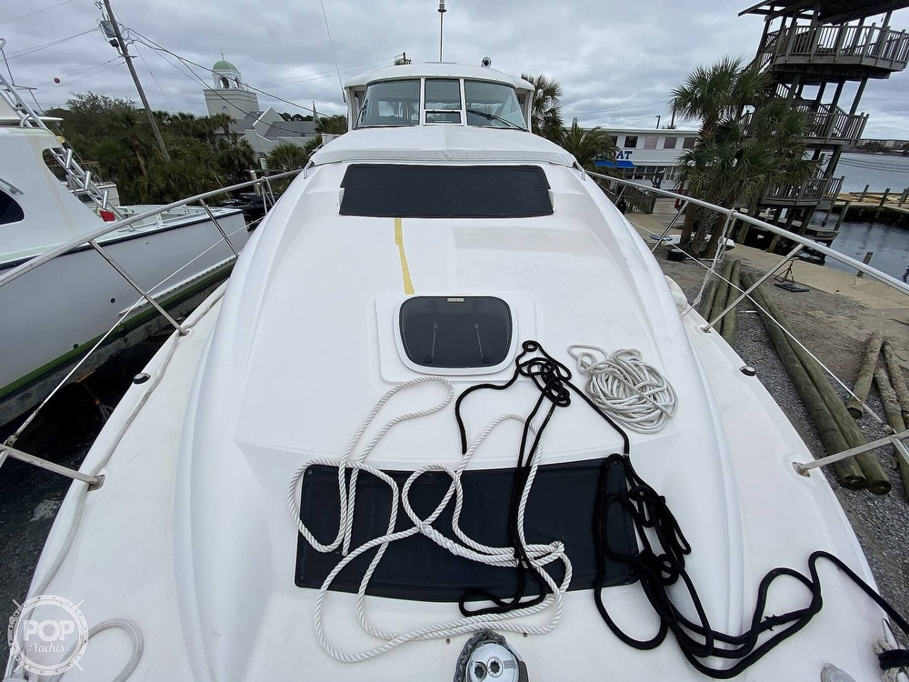 2006 Sea Ray boat for sale, model of the boat is 40 Motor Yacht & Image # 32 of 40