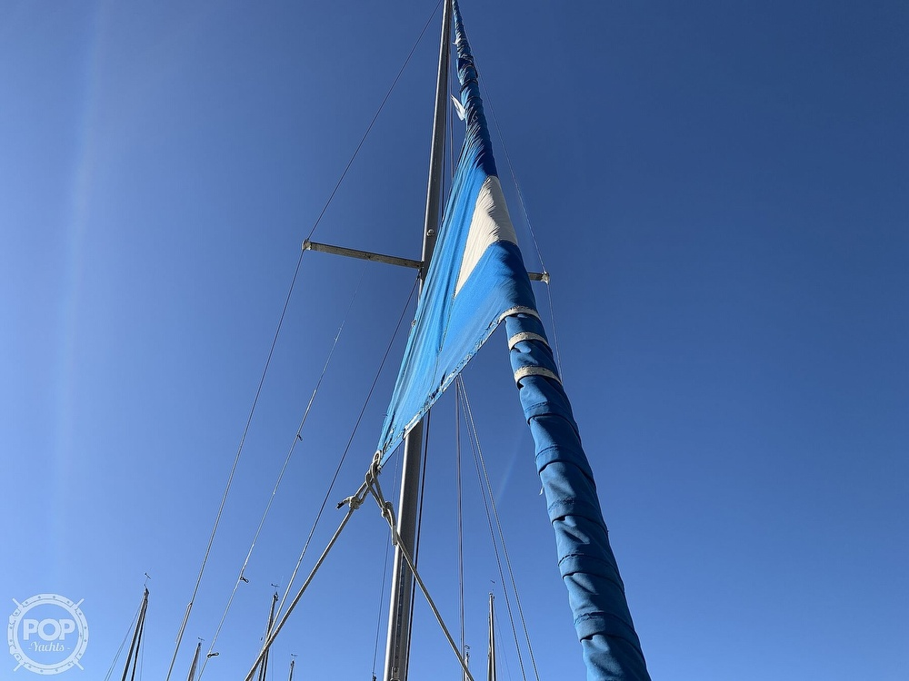 1972 Ericson Yachts boat for sale, model of the boat is 27 & Image # 16 of 40