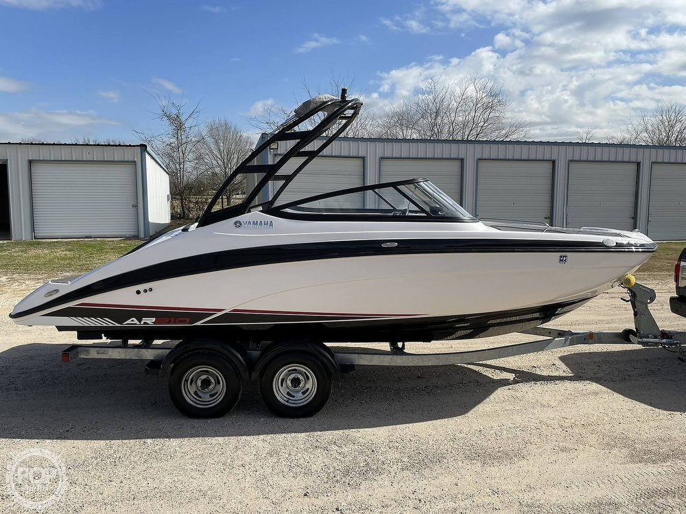 2017 Yamaha boat for sale, model of the boat is AR210 & Image # 16 of 40