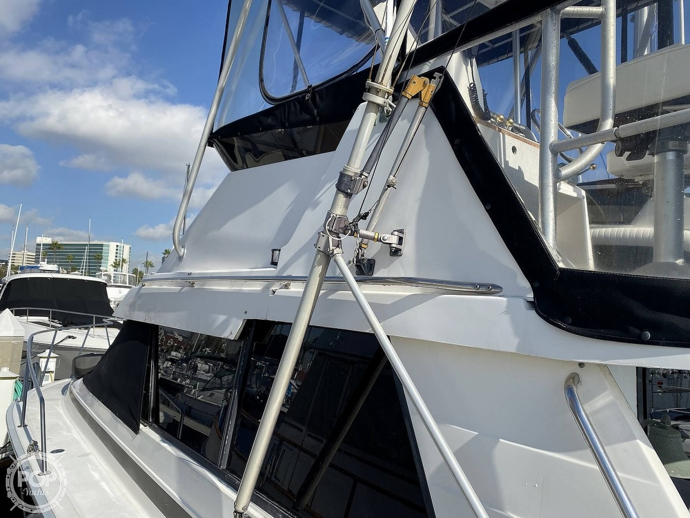 1989 Luhrs boat for sale, model of the boat is Tournament 342 & Image # 24 of 40