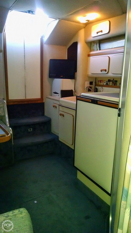 1993 Sea Ray boat for sale, model of the boat is 330 EC & Image # 24 of 32