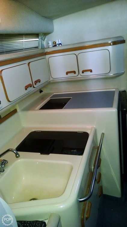 1993 Sea Ray boat for sale, model of the boat is 330 EC & Image # 28 of 32