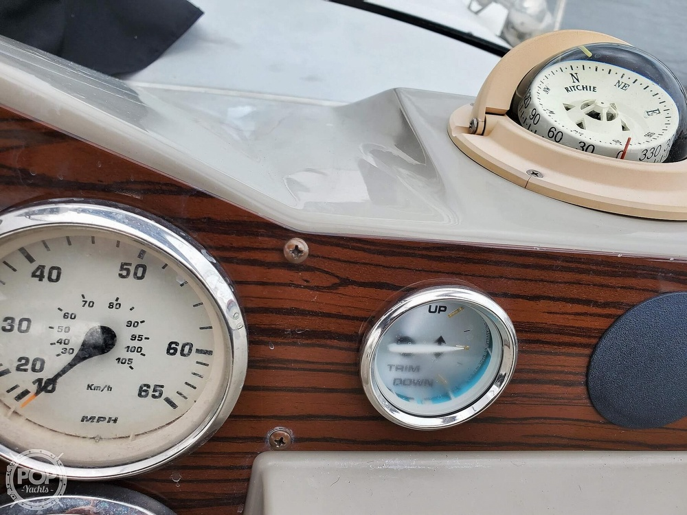 2008 Larson boat for sale, model of the boat is 330 Cabrio & Image # 27 of 40