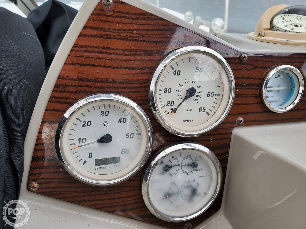 2008 Larson boat for sale, model of the boat is 330 Cabrio & Image # 28 of 40