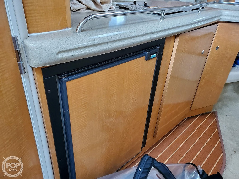 2008 Larson boat for sale, model of the boat is 330 Cabrio & Image # 18 of 25