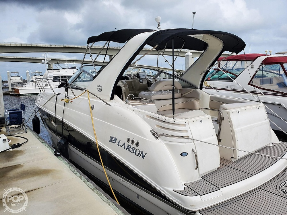 2008 Larson boat for sale, model of the boat is 330 Cabrio & Image # 16 of 40