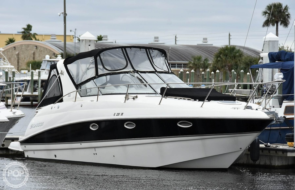 2008 Larson boat for sale, model of the boat is 330 Cabrio & Image # 2 of 25