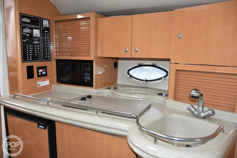 2008 Larson boat for sale, model of the boat is 330 Cabrio & Image # 11 of 40