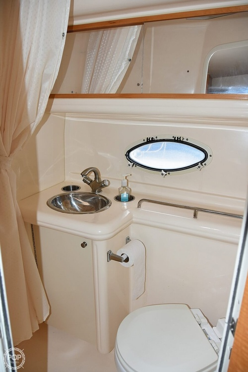 2008 Larson boat for sale, model of the boat is 330 Cabrio & Image # 6 of 25
