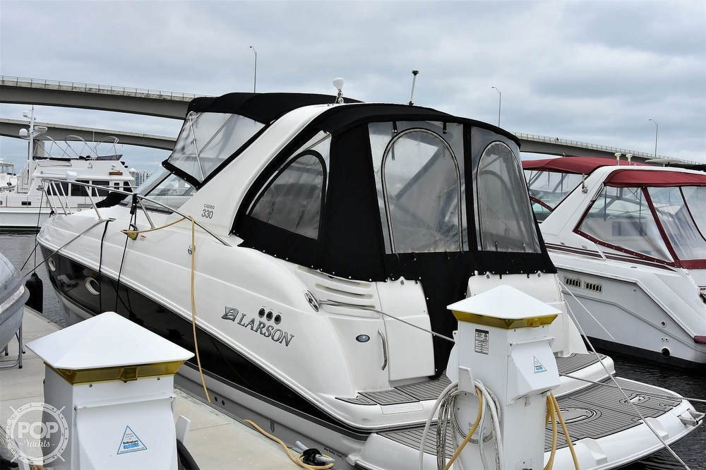 2008 Larson boat for sale, model of the boat is 330 Cabrio & Image # 10 of 25