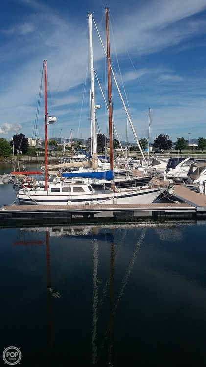 2001 Endurance boat for sale, model of the boat is 35 & Image # 14 of 40