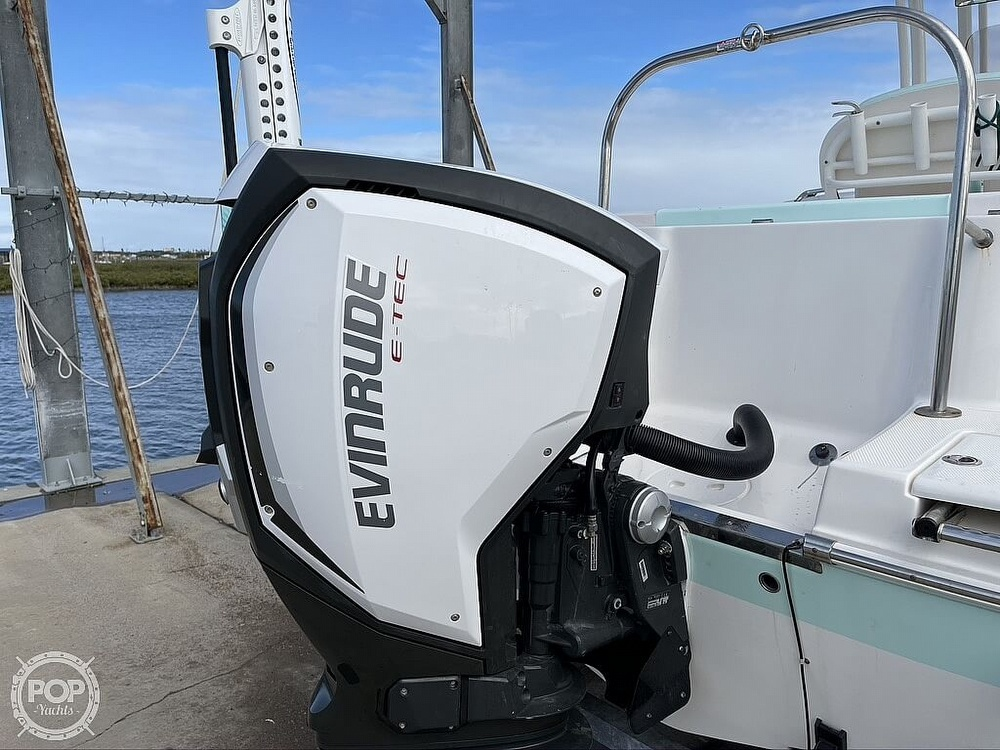 2018 Robalo boat for sale, model of the boat is R222 Explorer & Image # 14 of 40