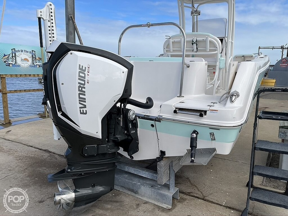 2018 Robalo boat for sale, model of the boat is R222 Explorer & Image # 4 of 40