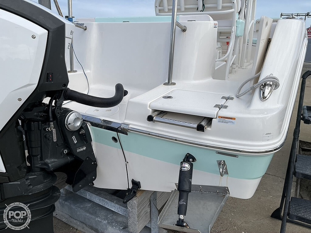 2018 Robalo boat for sale, model of the boat is R222 Explorer & Image # 24 of 40