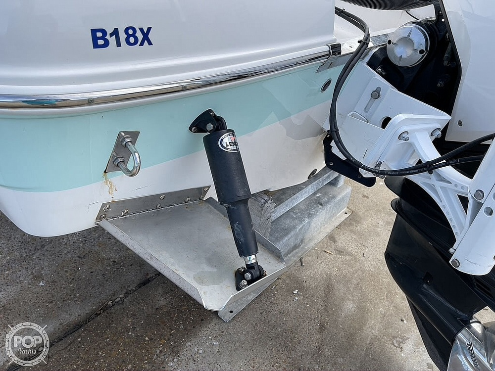 2018 Robalo boat for sale, model of the boat is R222 Explorer & Image # 15 of 40
