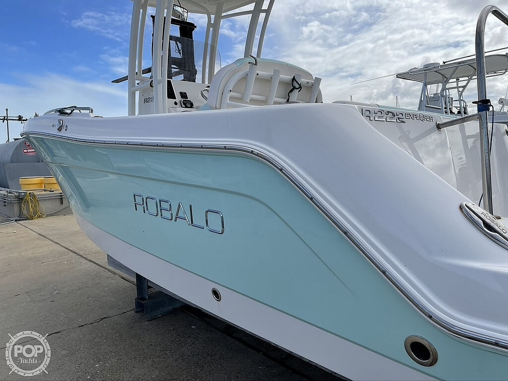 2018 Robalo boat for sale, model of the boat is R222 Explorer & Image # 9 of 40