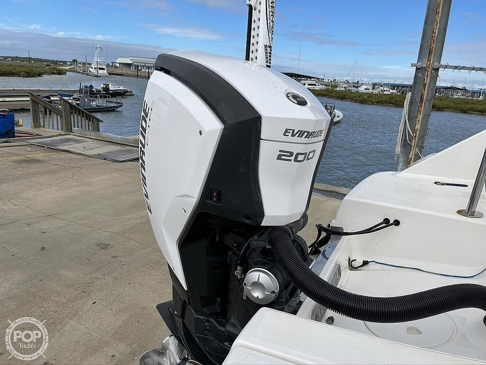 2018 Robalo boat for sale, model of the boat is R222 Explorer & Image # 17 of 40