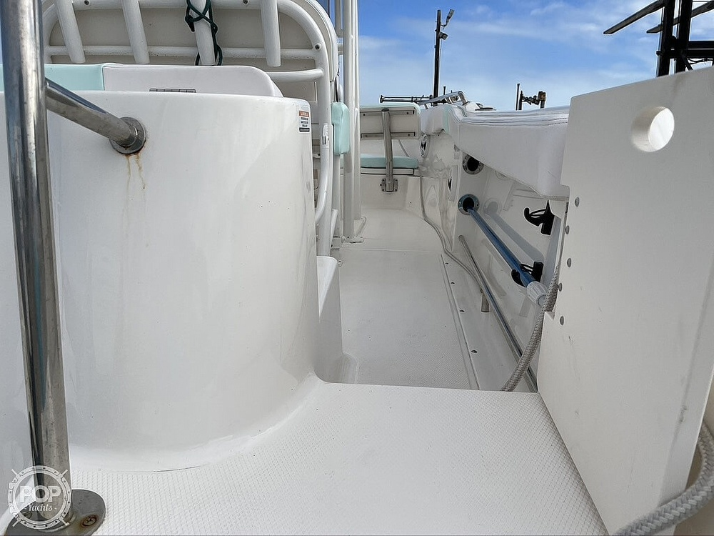 2018 Robalo boat for sale, model of the boat is R222 Explorer & Image # 31 of 40
