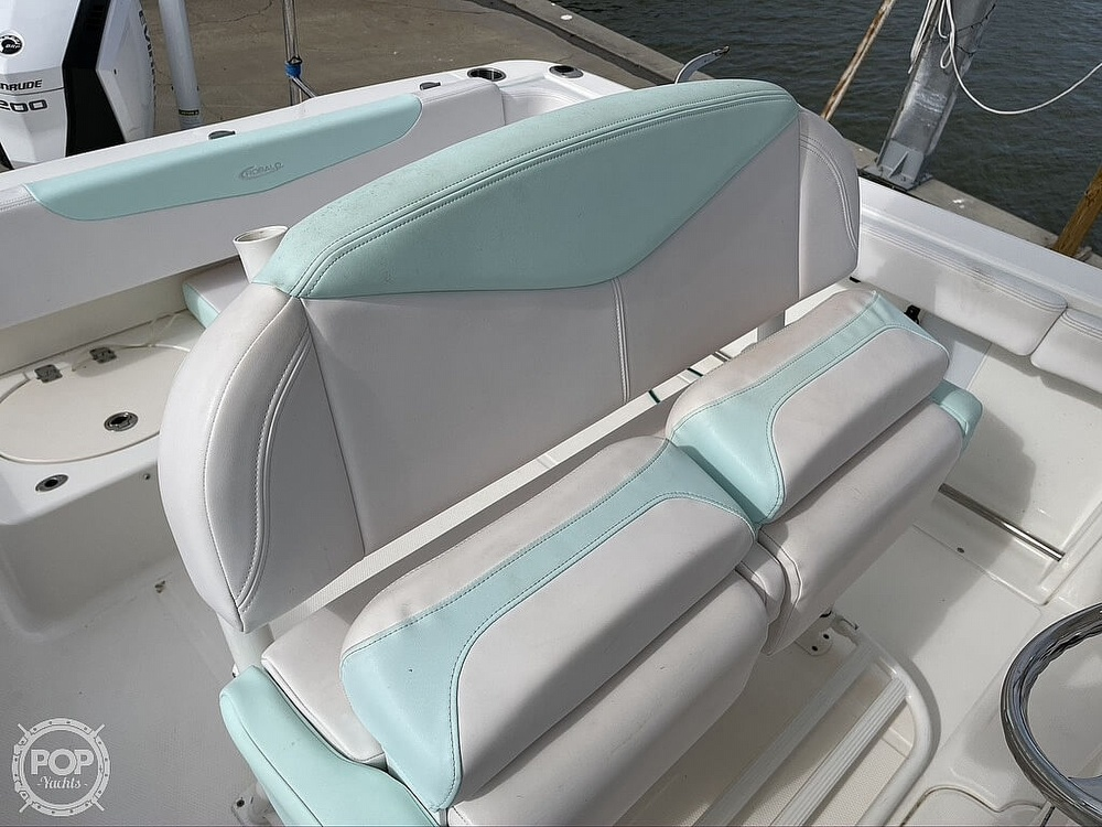 2018 Robalo boat for sale, model of the boat is R222 Explorer & Image # 27 of 40
