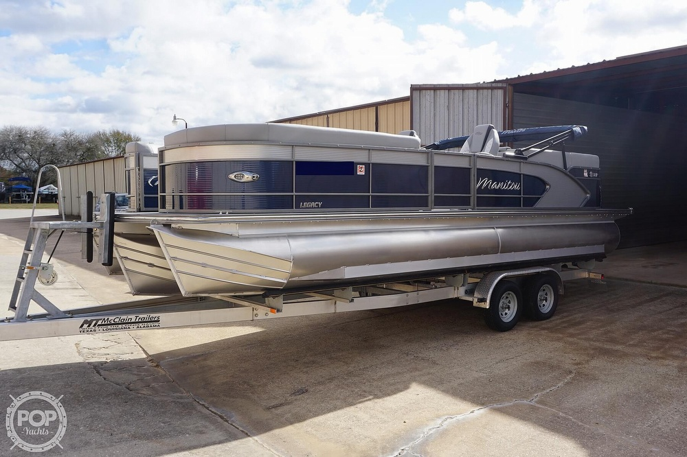 2020 Manitou boat for sale, model of the boat is 25 Legacy RF SHP & Image # 15 of 40