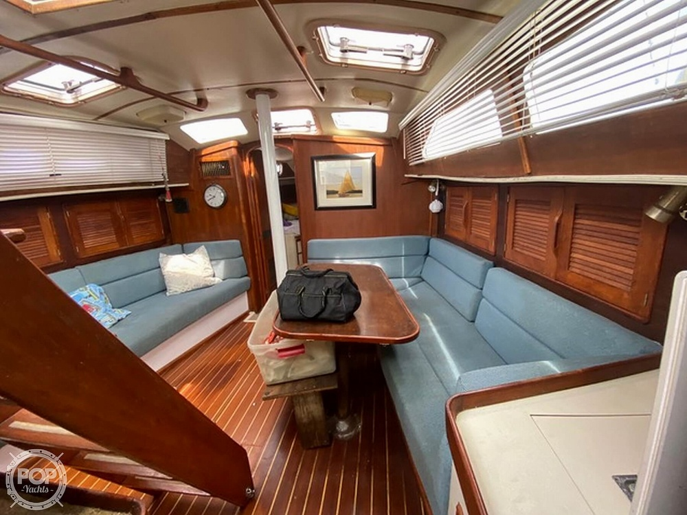 1989 Irwin boat for sale, model of the boat is 38 Mark II & Image # 5 of 40