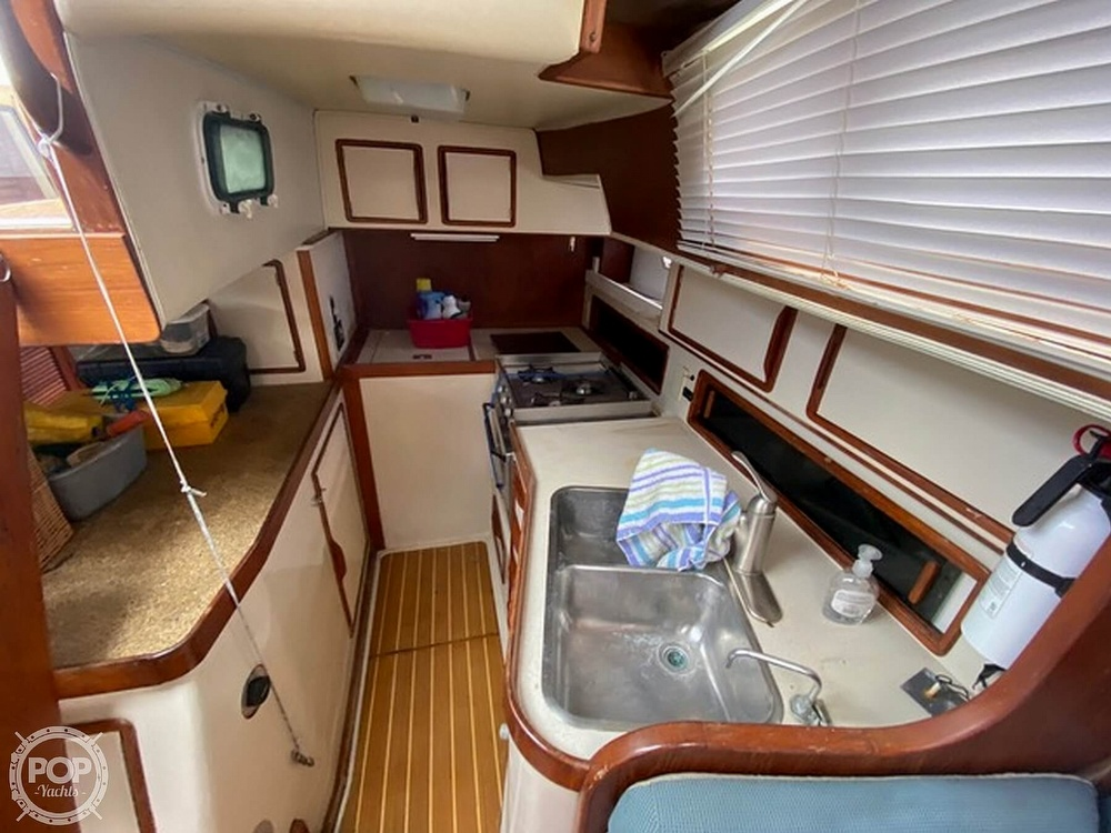 1989 Irwin boat for sale, model of the boat is 38 Mark II & Image # 7 of 40
