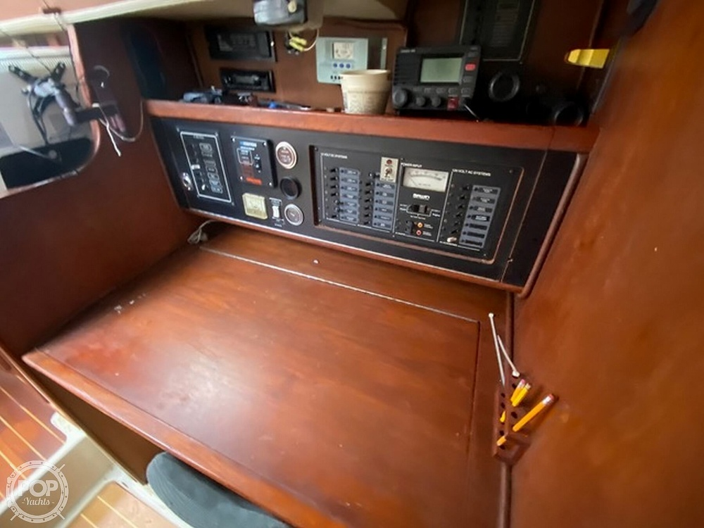 1989 Irwin boat for sale, model of the boat is 38 Mark II & Image # 8 of 40