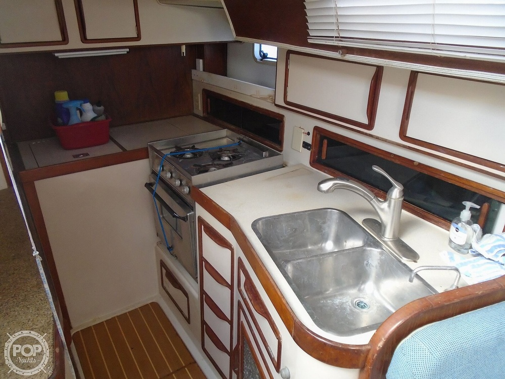 1989 Irwin boat for sale, model of the boat is 38 Mark II & Image # 27 of 40