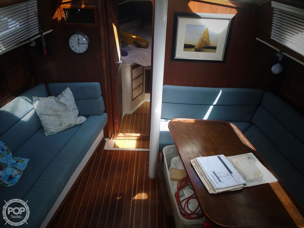 1989 Irwin boat for sale, model of the boat is 38 Mark II & Image # 39 of 40