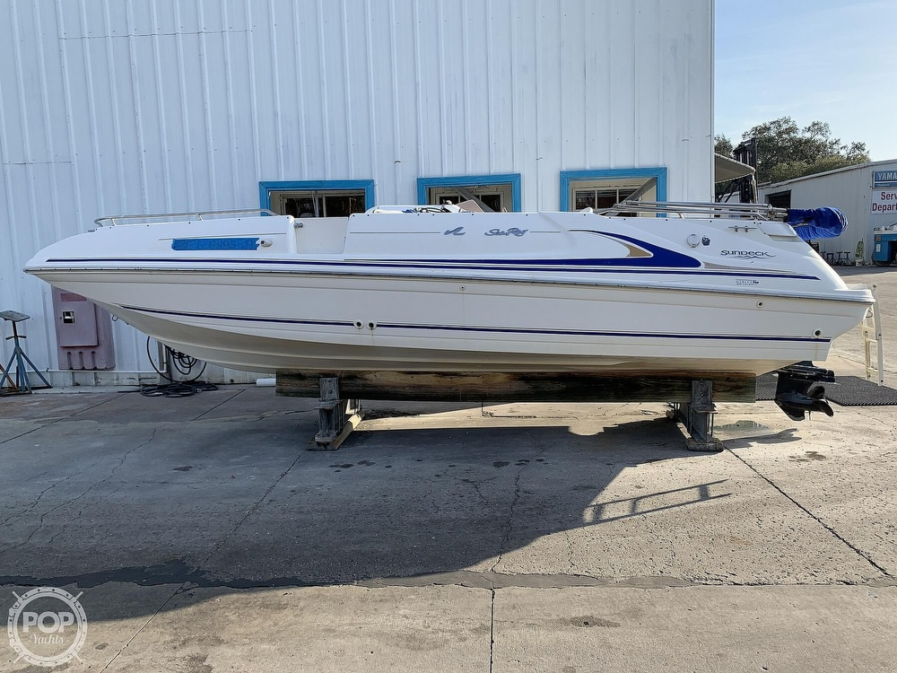 1996 Sea Ray boat for sale, model of the boat is 240 Sun Deck & Image # 17 of 40