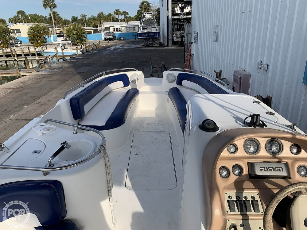 1996 Sea Ray boat for sale, model of the boat is 240 Sun Deck & Image # 7 of 40
