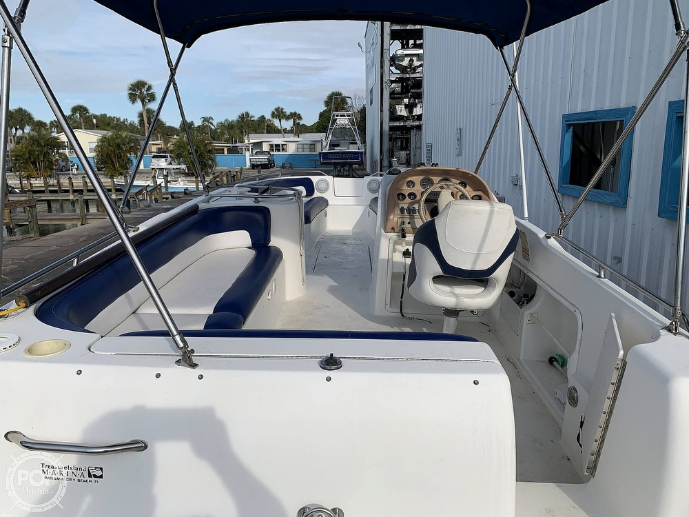 1996 Sea Ray boat for sale, model of the boat is 240 Sun Deck & Image # 13 of 40