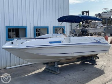 1996  240 Sea Ray Sun Deck