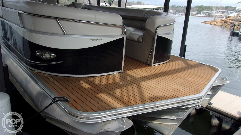 2011 Manitou boat for sale, model of the boat is SHP 27 Legacy & Image # 13 of 40