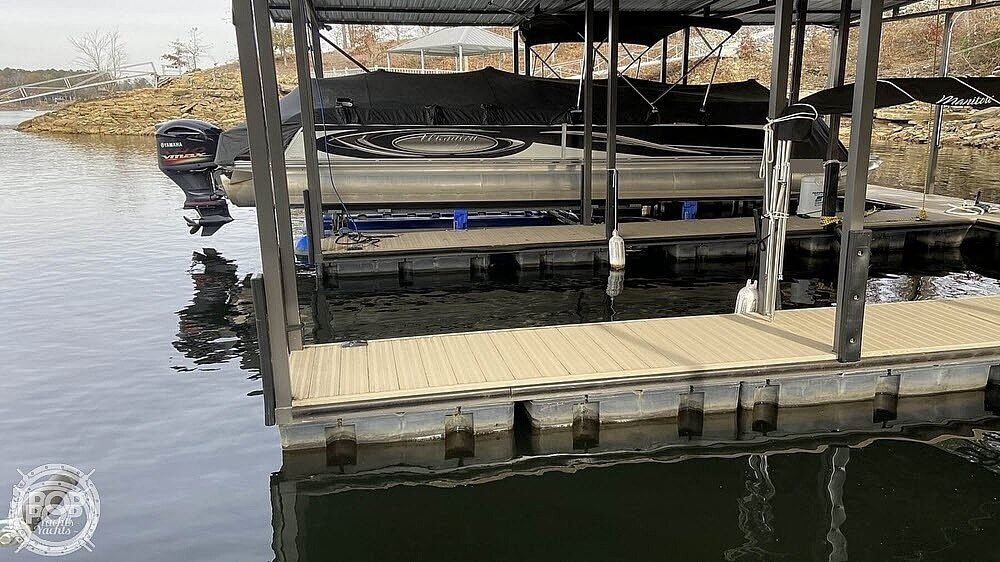 2011 Manitou boat for sale, model of the boat is SHP 27 Legacy & Image # 4 of 40