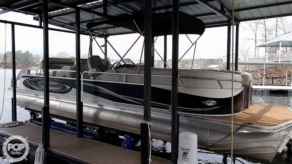 2011 Manitou boat for sale, model of the boat is SHP 27 Legacy & Image # 3 of 40