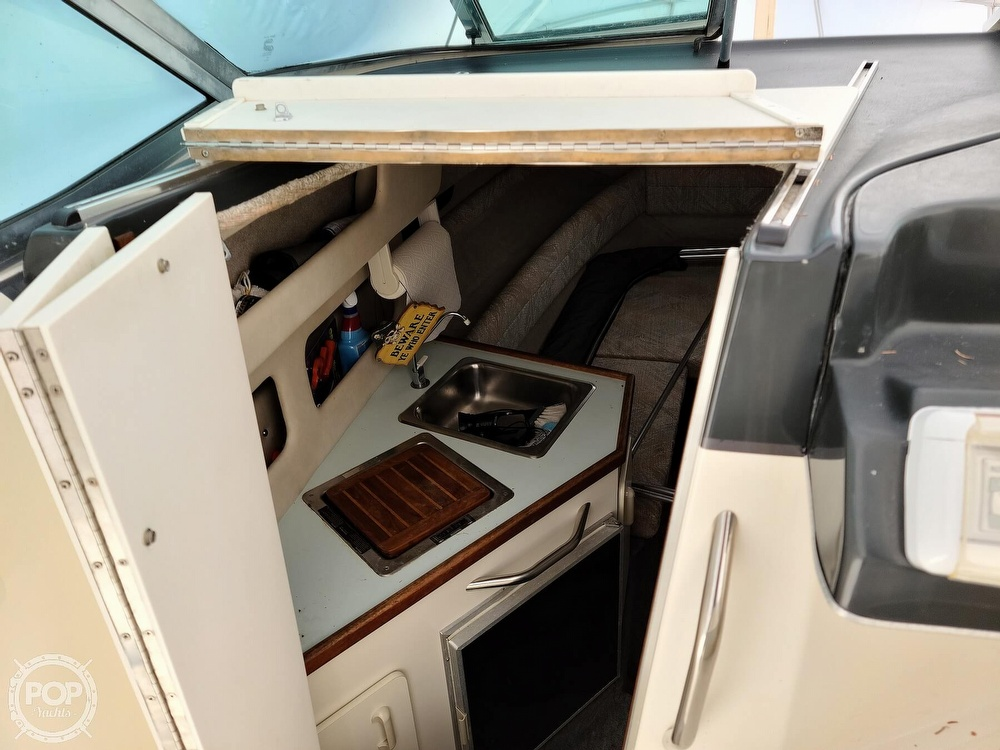 1993 Sea Ray boat for sale, model of the boat is 230 Sundancer LTD & Image # 38 of 40