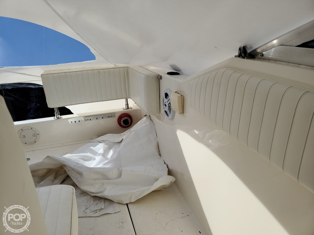 1993 Sea Ray boat for sale, model of the boat is 230 Sundancer LTD & Image # 27 of 40