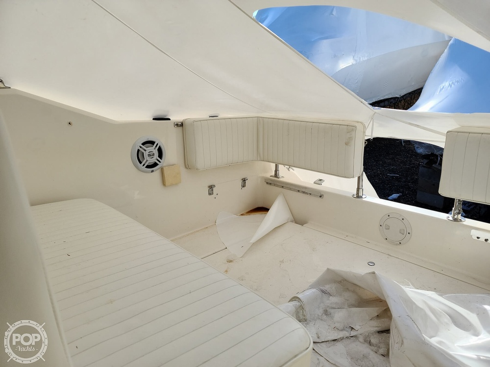 1993 Sea Ray boat for sale, model of the boat is 230 Sundancer LTD & Image # 26 of 40