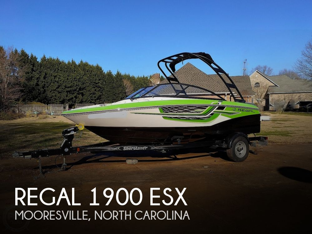 2017 Regal boat for sale, model of the boat is 1900 ESX & Image # 1 of 40