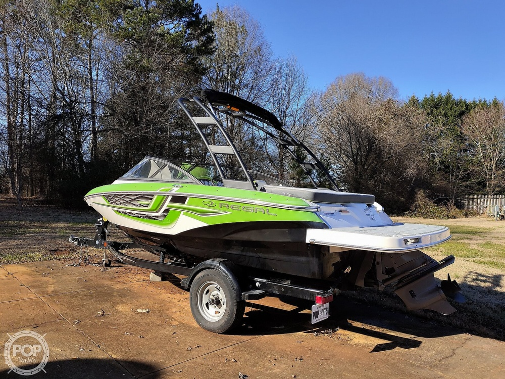 2017 Regal boat for sale, model of the boat is 1900 ESX & Image # 14 of 40
