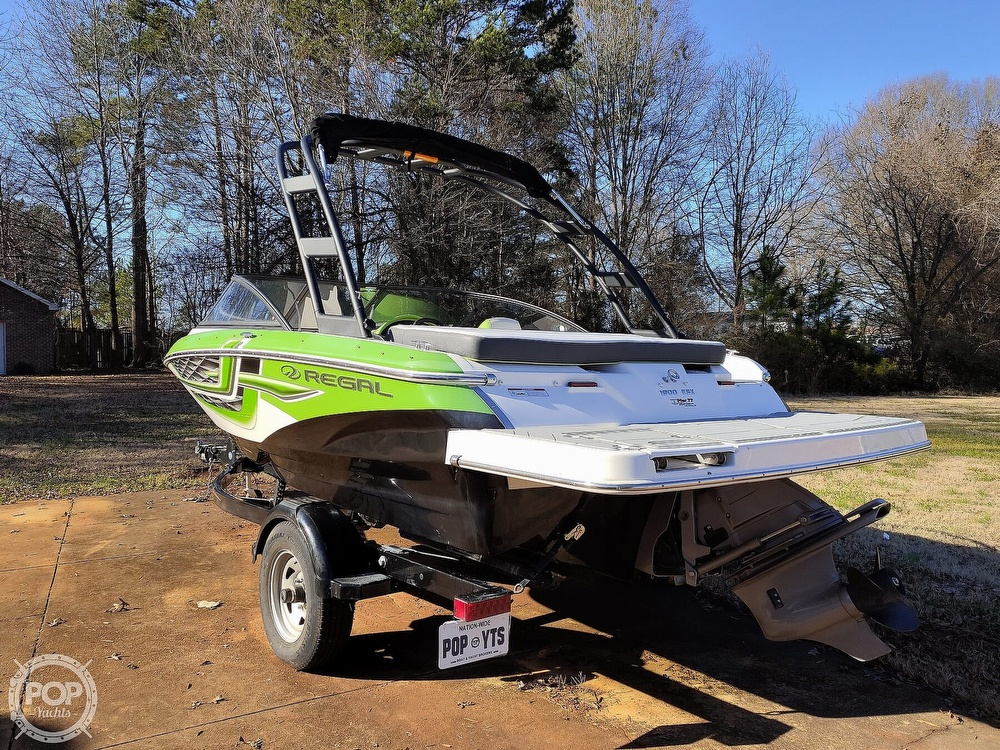 2017 Regal boat for sale, model of the boat is 1900 ESX & Image # 24 of 40