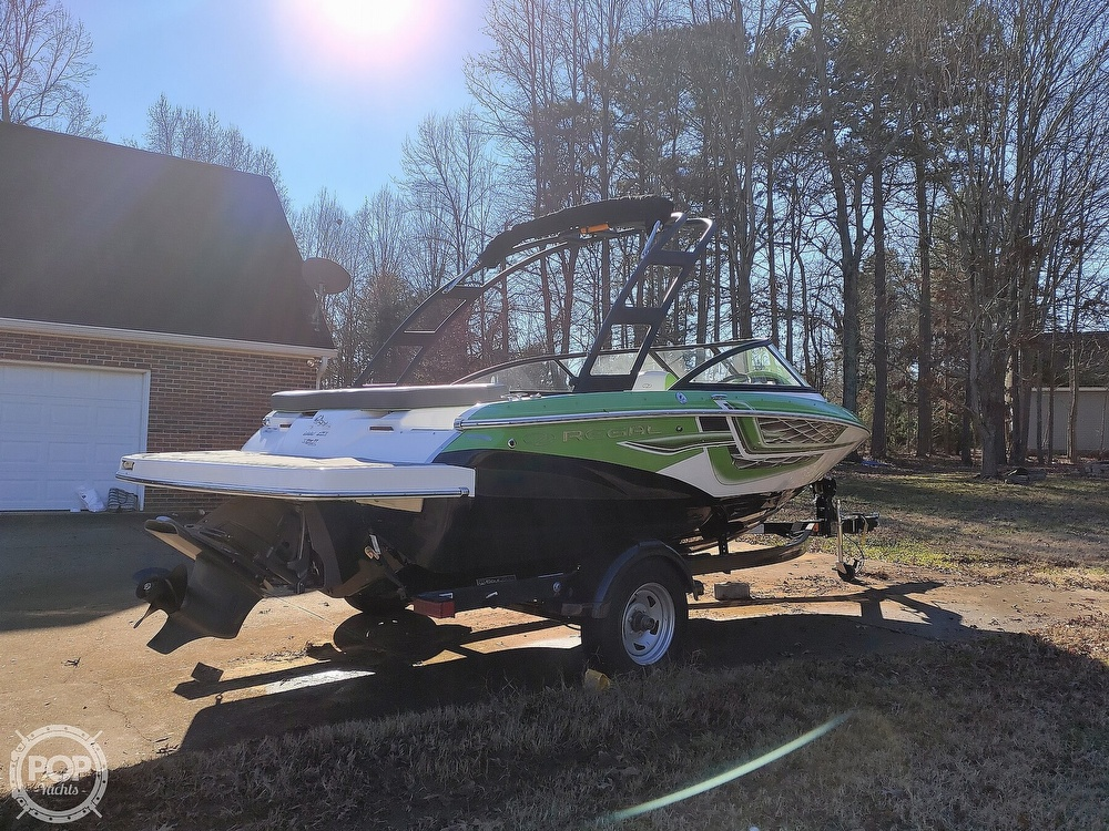 2017 Regal boat for sale, model of the boat is 1900 ESX & Image # 27 of 40
