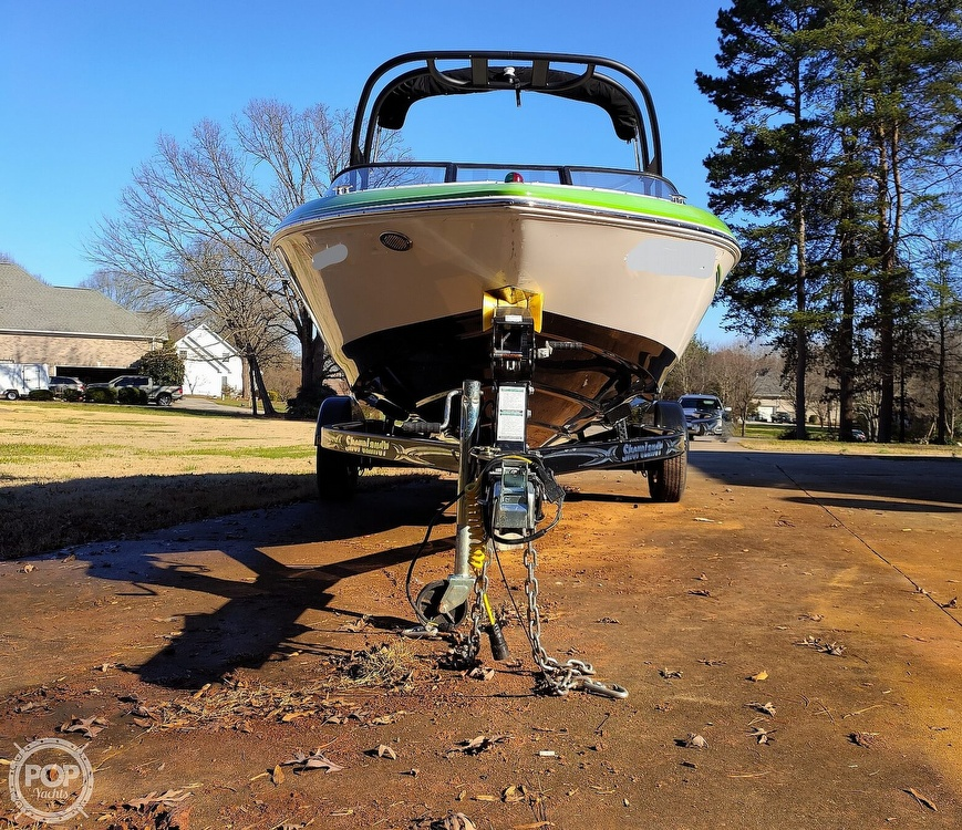 2017 Regal boat for sale, model of the boat is 1900 ESX & Image # 30 of 40
